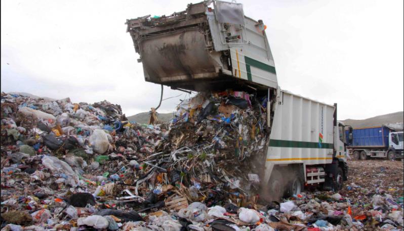 rifiuti spazzatura discarica differenziata